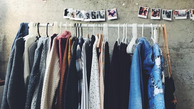 Gewand / Kleidung / Shoppen