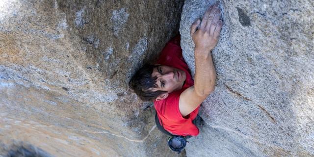 Alex Honnold klettert free solo
