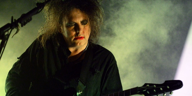 Robert Smith von The Cure bei einem Konzert