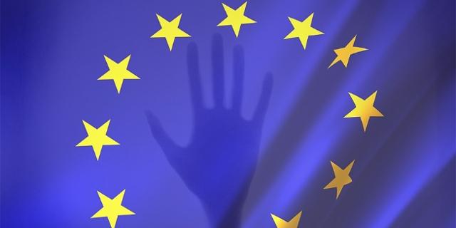 Schattenhand greift nach EU Sternen