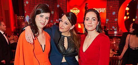 Nora Tschirner, Carolin Kebekus und Verena Altenberger bei der Romy-Verleihung