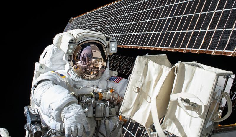 Scott Kelly beim Weltraumspaziergang