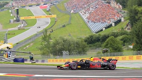 Max Verstappen im Rennwagen auf dem Red Bull Ring in Spielberg
