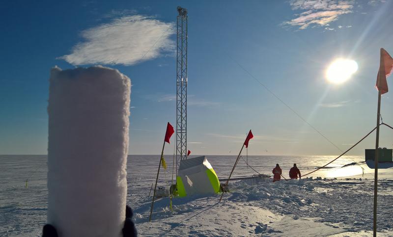 Eisbohrkern in der Antarktis