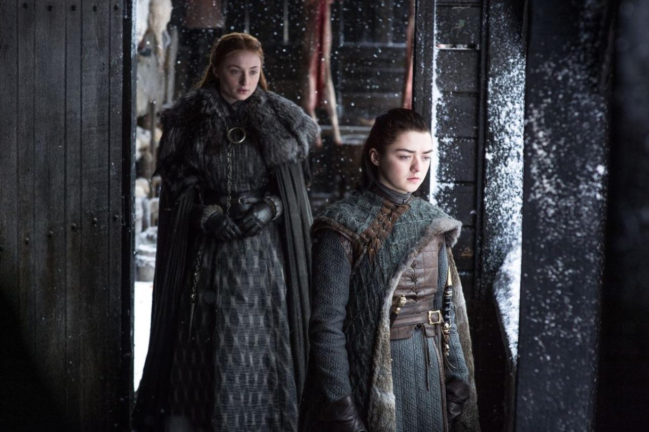 Arya and Sansa Stark Game Of Thrones