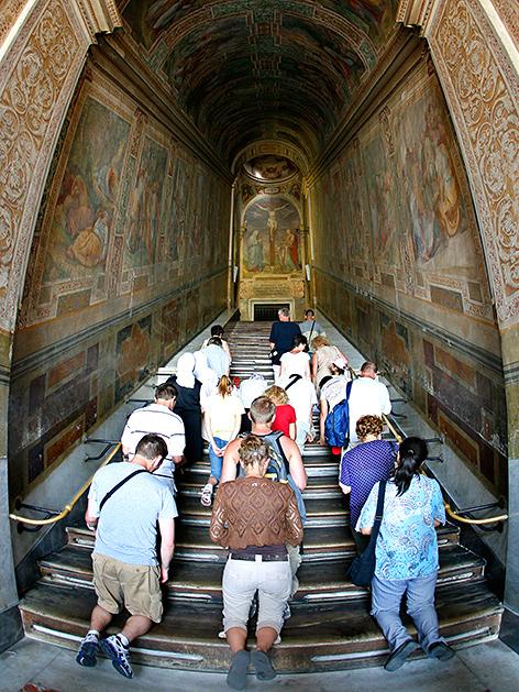Heilige Stiege in Rom für Pilger frei – religion.ORF.at