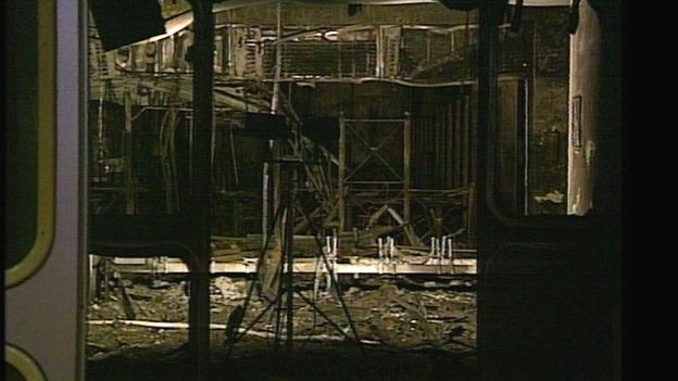 Der Flughafen Düsseldorf nach dem Brand 1996