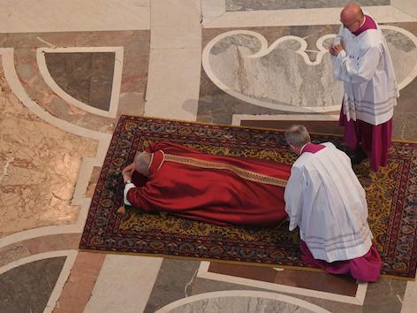 Papst Karfreitag Petersdom