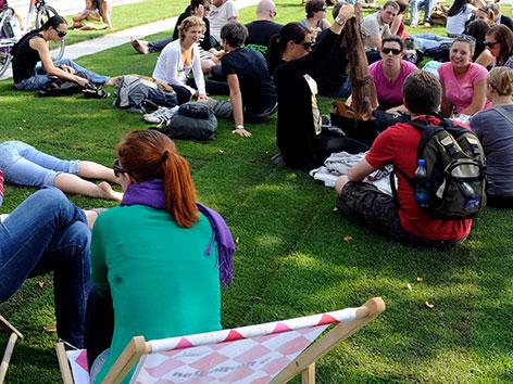 Studie: Jugend kann mit Religion wenig anfangen – religion.ORF.at