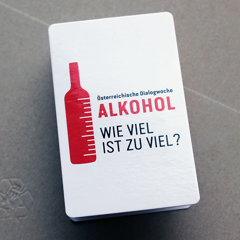 Logo mit roter Flasche
