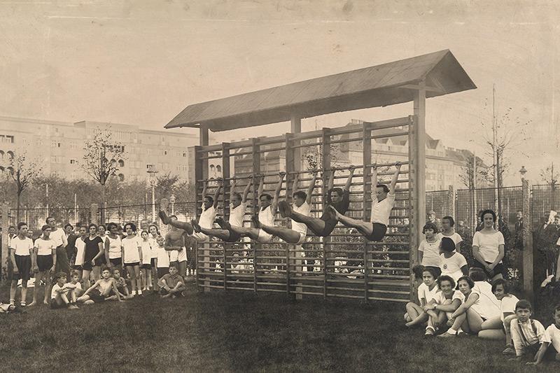 Gaudenzdorfer Gürtel, Turnen im Haydnpark, ca. 1926