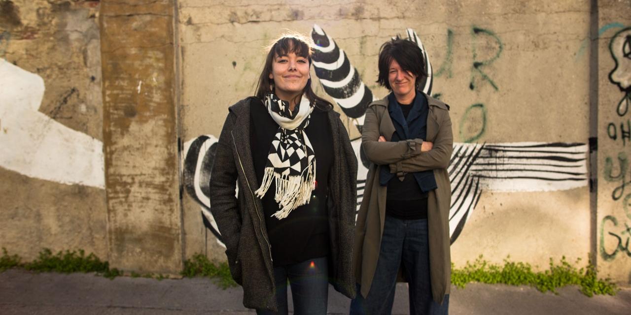 Yasmin Hafedh alias Yasmo und Elisabeth Scharang bei der Aufnahme des Doppelzimmers