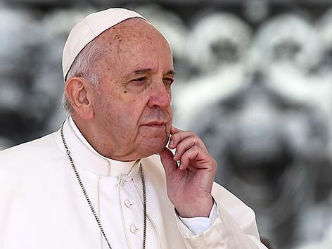 Papst erlässt Meldepflicht für Missbrauchsfälle – religion.ORF.at