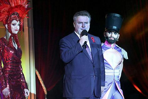 Wiens Bürgermeister Michael Ludwig und Conchita am Life Ball