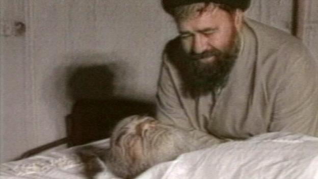 Ayatollaoh Chomeini am Sterbebett