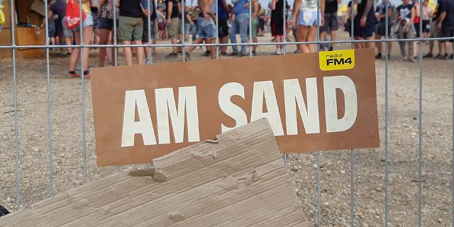 Am Sand Schild an Zaun