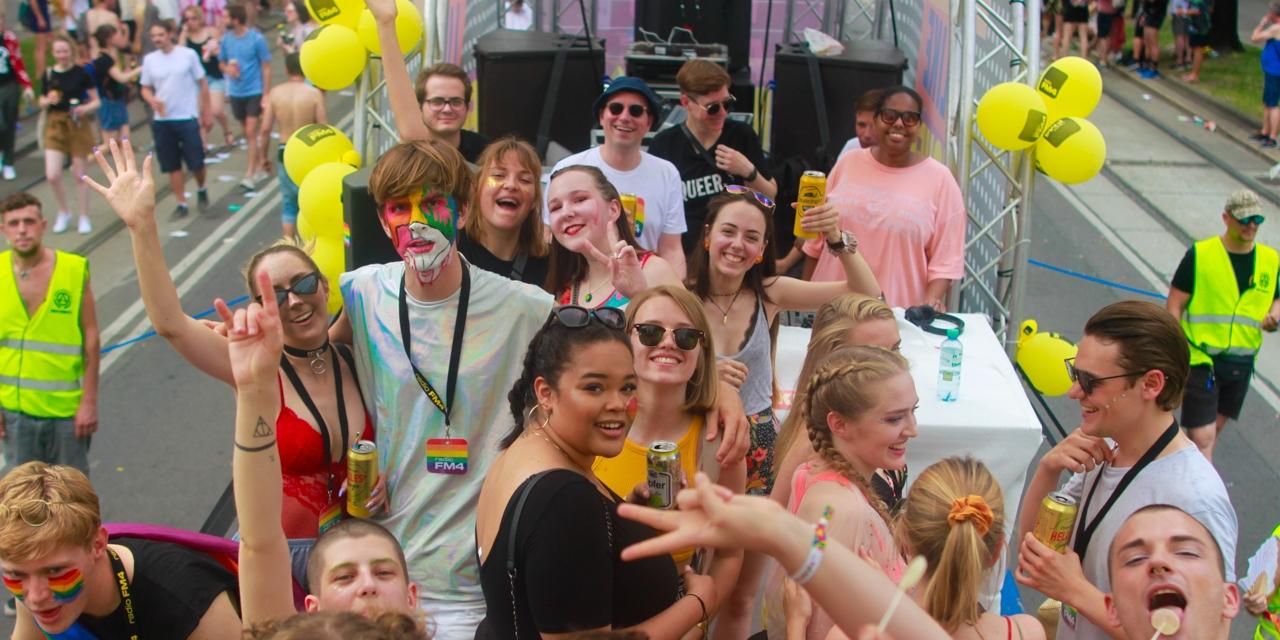 Schöne Menschen auf der EuroPride