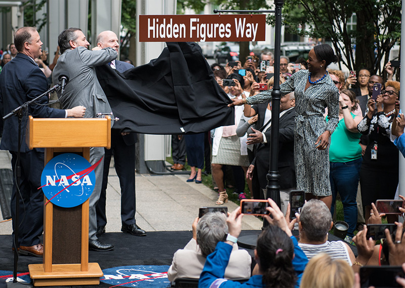 "Enthüllung des ""Hidden Figures Way"""