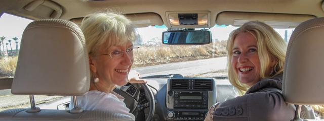 Die beiden britischen Historikerinnen Joan Taylor und Helen Bond in Israel