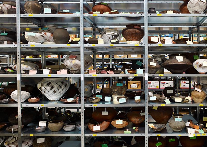 Auswahl an antiken Gefäßen im Landesmuseum Württemberg