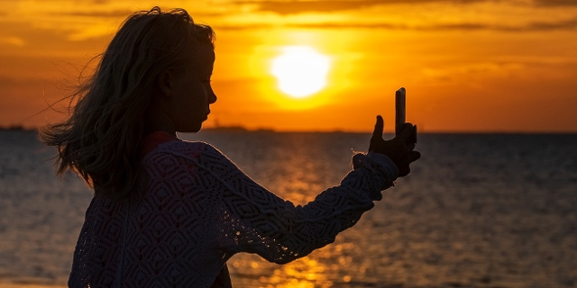 Selfie im Sonnenuntergang Silhouette