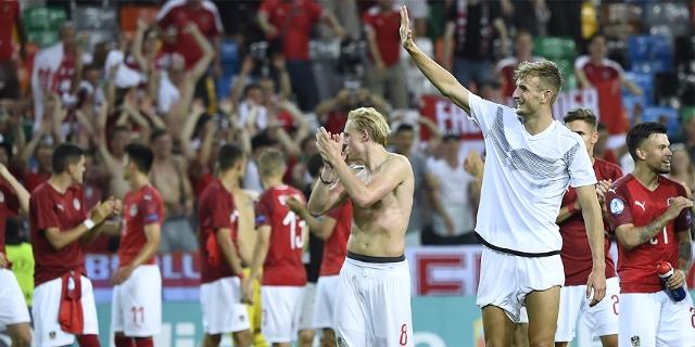 Xaver Schlager und Stefan Posch nach der U21-EM Begegnung zwischen Österreich und Deutschland