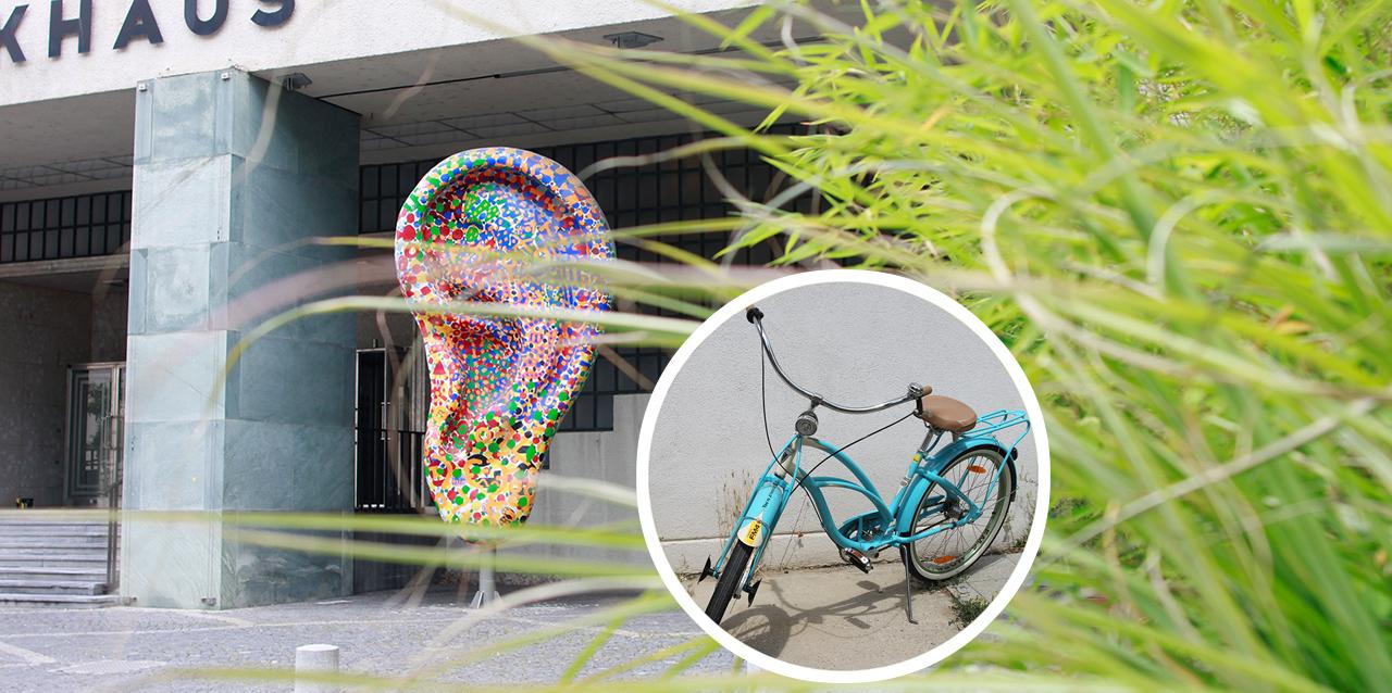 Fahrrad vor Gebäude