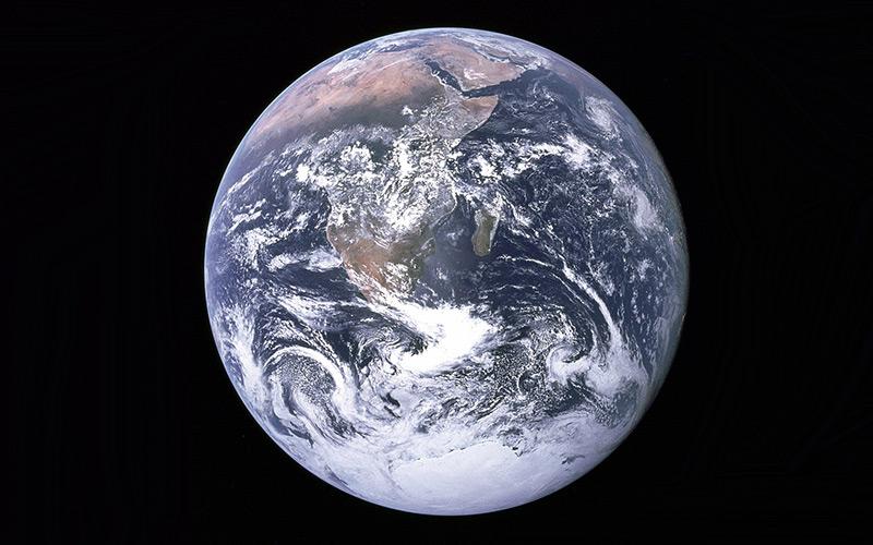 Der Erdball vom Weltraum aus gesehen