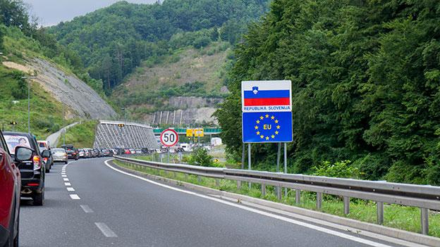 Stau an der slowenisch-kroatischen Grenze