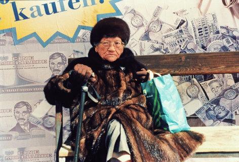 Alltagsgeschichte  An der Haltestelle  Originaltitel: Alltagsgeschichte - An der Haltestelle (AUT 1996)