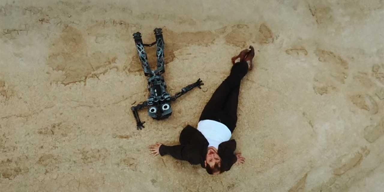 Marco Wanda und Roboter in neuem Video