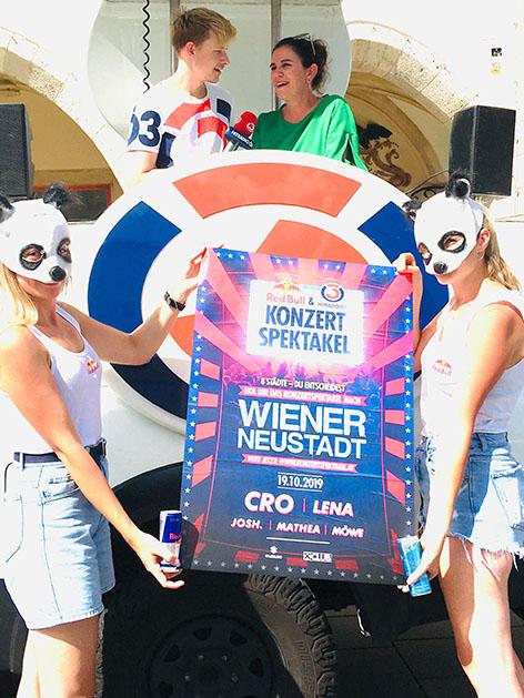 Gemeinderätin Wiener Neustadt mit dem Ö3-Spektakel-Team