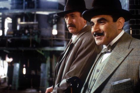 "Agatha Christie's Poirot  Alibi  Originaltitel: Poirot ""The Murder of Roger Ackroyd"" (GB 2000), Regie: Andrew Grieve"