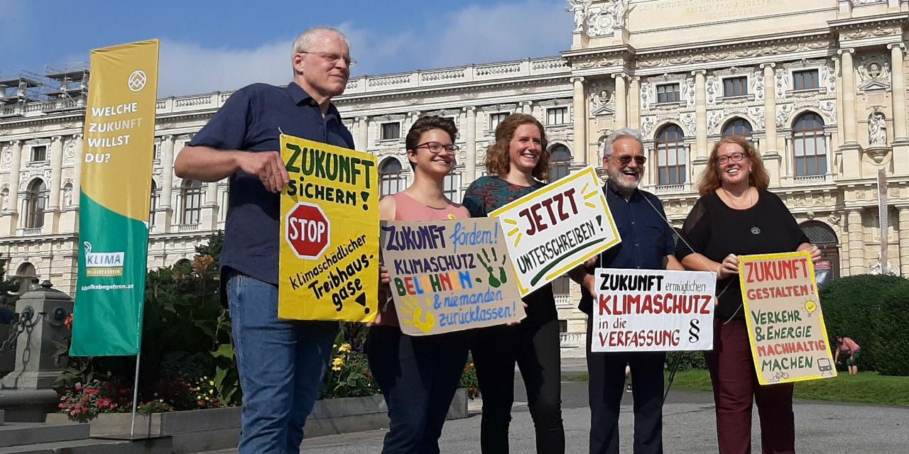 Unterstützer*innen des Klimavolksbegehrens