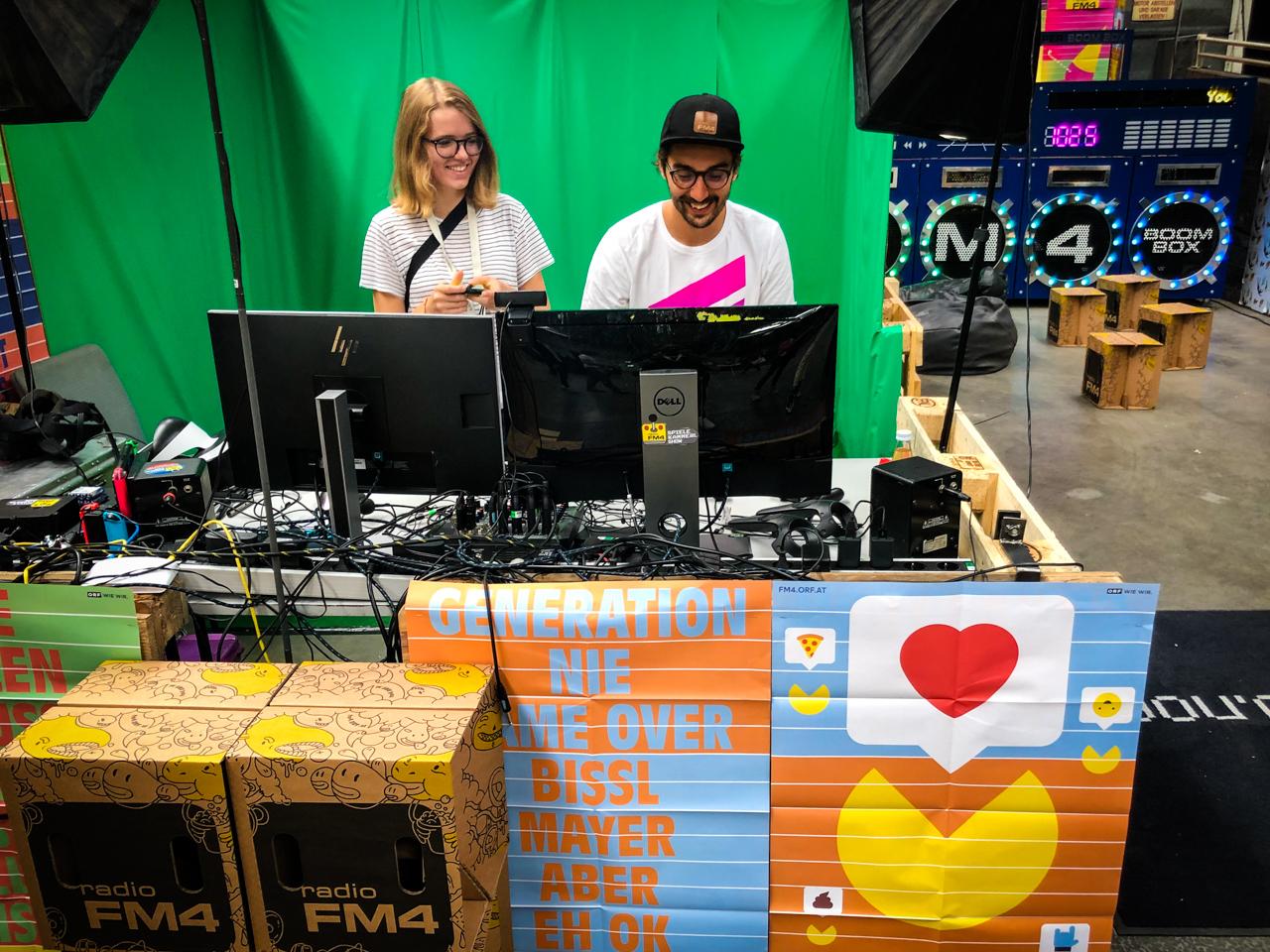 BesucherInnen beim Ars Electronica Festival in Linz