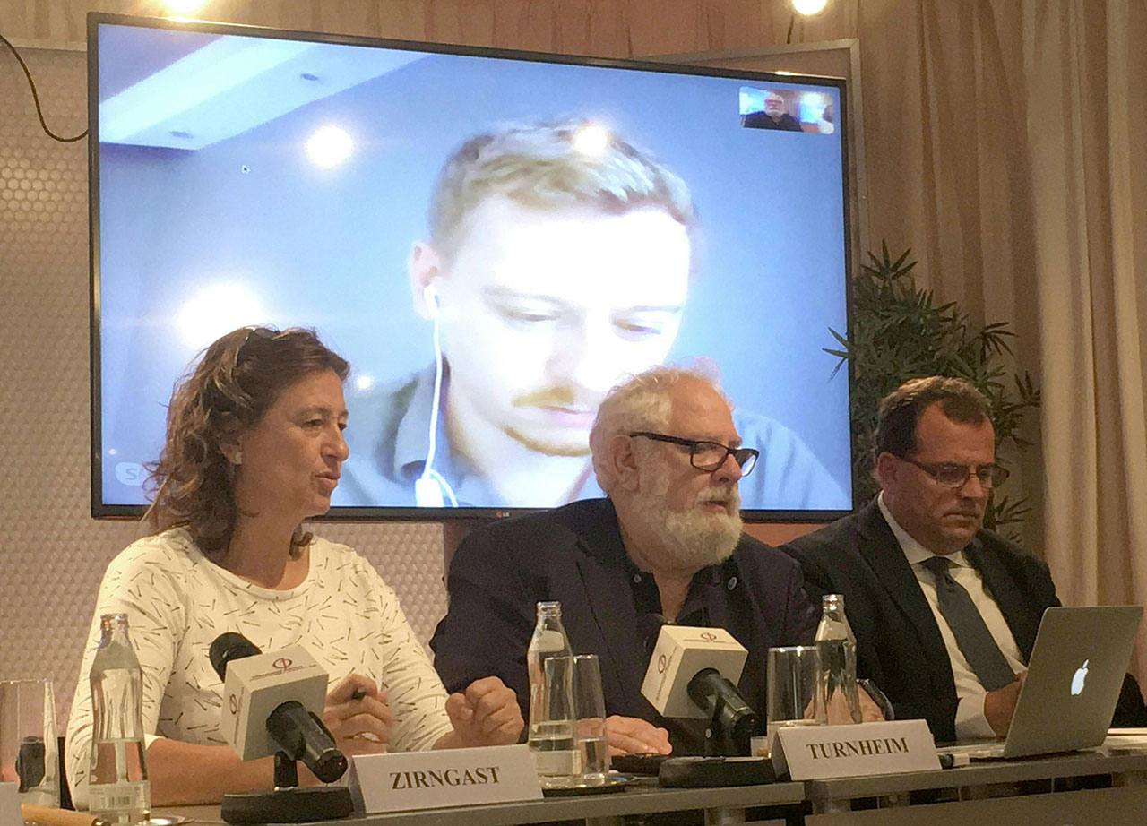 Pressekonferenz des Österreichischen Journalisten Clubs anl. der Fortsetzung des Prozesses gegen Max Zirngast in Wien.