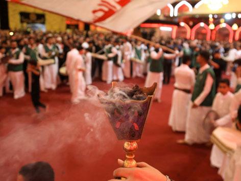 Schiitische Gläubige begehen Aschura