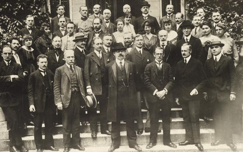 Österreichische Delegation zum Friedensschluss von St. Germain mit Karl Renner