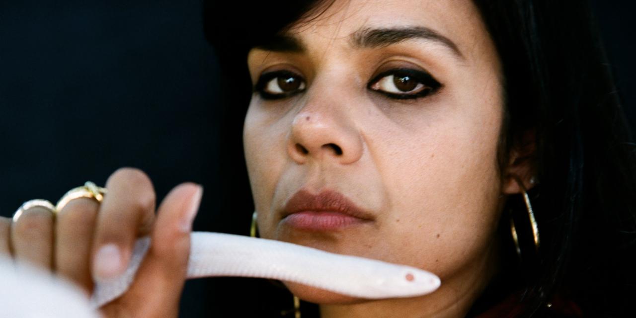 Ein Porträt von Natasha Khan