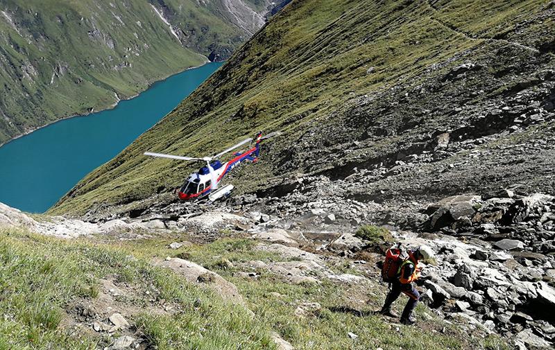 Steinlawine oberhalb der Kapruner Stauseen: Hubschrauber und Bergretter sind vor Ort