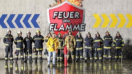 Andi Knoll und die zwei Feuerwehrteams