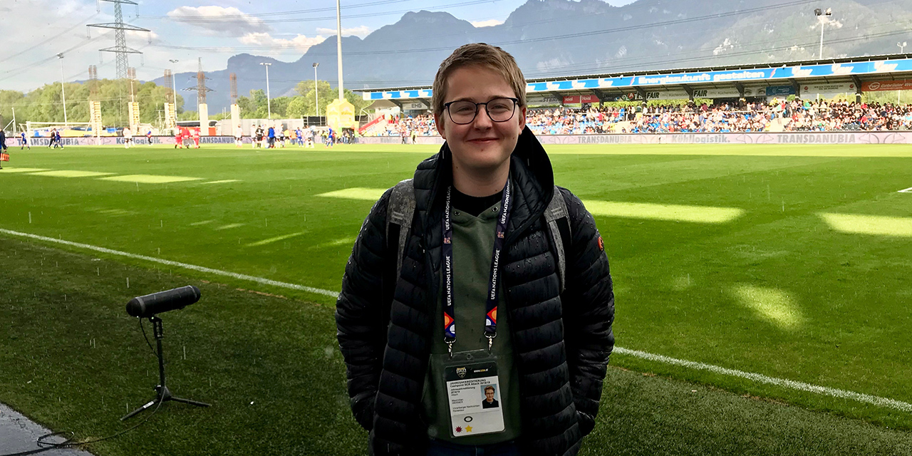 Maximilian Werner im Fußballstadion