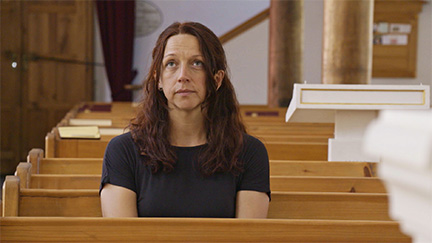 Nicole Huemer in der Kirche.