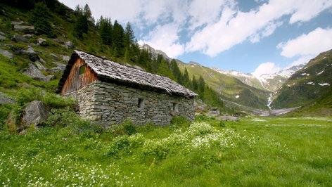 Südtirol - Leben unter den Felsen