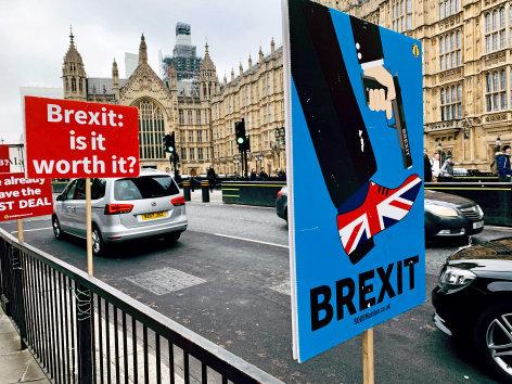 Im Brennpunkt  Angriff auf die Demokratie: Wurde der Brexit gekauft?