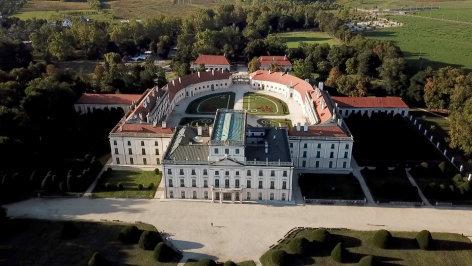 Aus dem Rahmen  Das Schloss Esterhazy in Ungarn , 2019