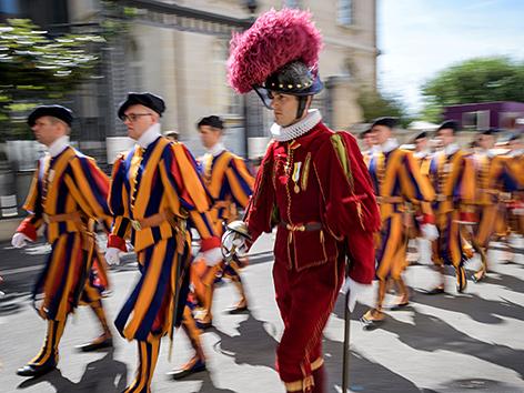 Schweizergarde bei einer Parade