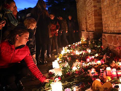 Gedenken nach dem Anschlag vor der Synagoge in Halle (Deutschland)