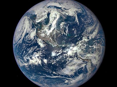 Der Planet Erde aus dem Weltall aufgenommen.