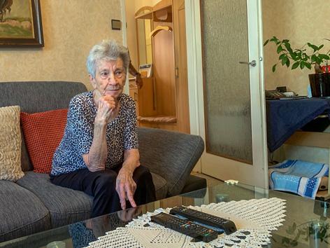 Die 80-jährige Anna Hrudnyk aus Wien leidet an Lungenkrebs